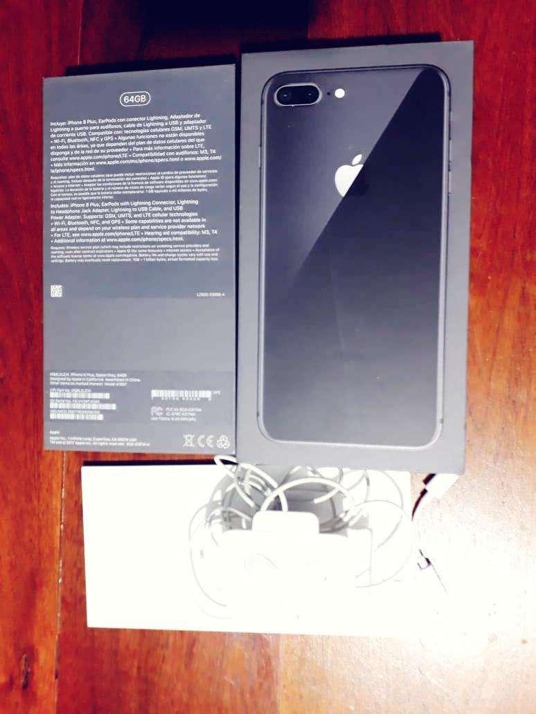 Vendo Iphone 8 plus 64gb 0