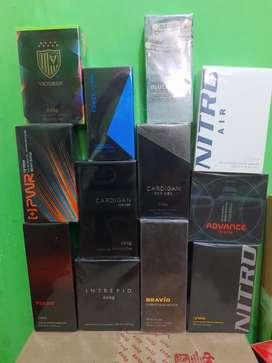 Se vende perfumes para damas y caballeros.