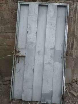 Puerta de lata