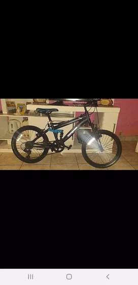 Vendo bicicleta de aluminio rodado 20
