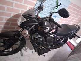 Moto Honda invicta 150