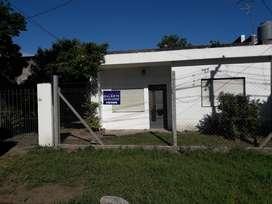 VENTA CASA PASO DEL REY CENTRO U$S 52.650 SOBRE CALLE QUILMES ENTRE (Av. Bme. Mitre - Alcorta)