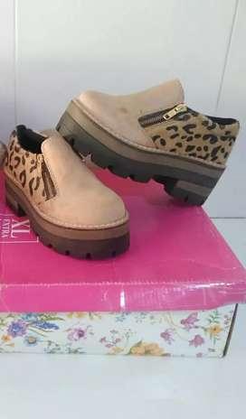 Zapatos Núm 32 impecable