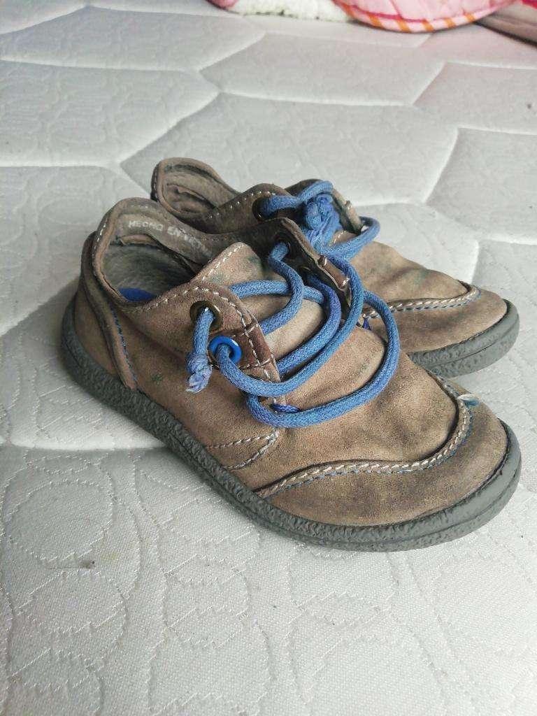 Zapatos Cuero Talla 20 0
