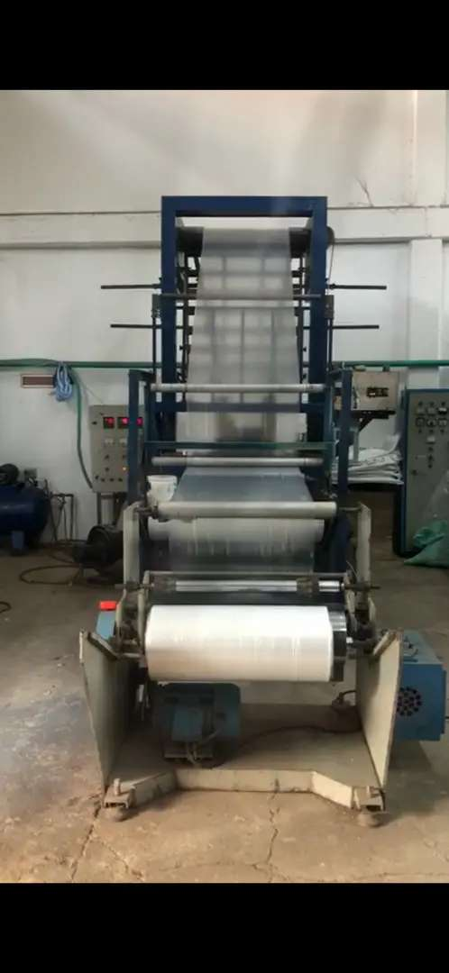 Extrusora de plastico y selladora lateral 0