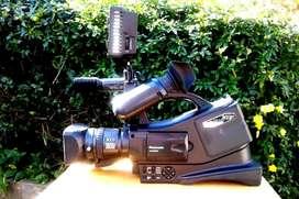 Camara Panasonic cabezal nuevo, microfono aereo, HD-170 led, tripode