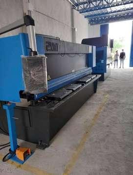 Dobladora y cortadora 3/8x3200