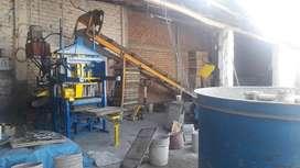 Bloquetera Adoquinera Semiautomatica Industrial (REMATE)