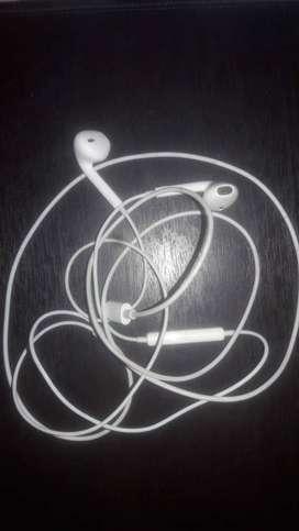 audífonos originales del iPhone