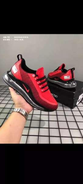 Tenis Nike Air 720 caballero