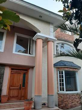 Casa por estrena/ San Isidro del Inca Tablón sur Quito calle José Ricardo Chiriboga y pasaje B