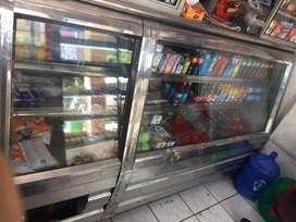 Se vende frigorifico y vitrina pastelera
