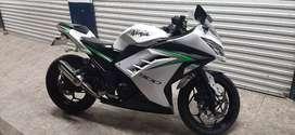 Ganga Kawasaki ninja 300 en muy Buen estado lista para traspaso