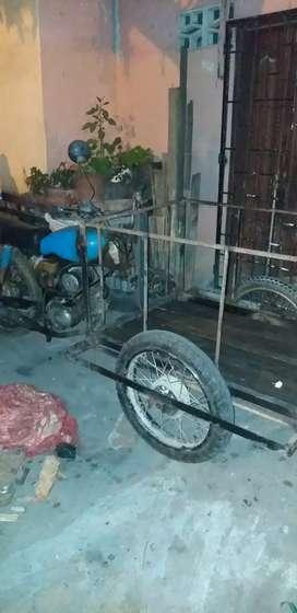 Moto triciclo yamaha