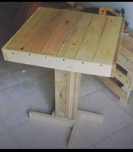 Estibas mesas y toda clase de muebles en madera