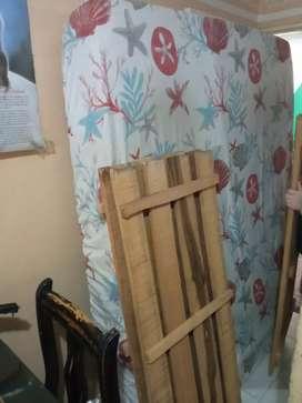 Se vende cama doble con colchon semiortopedio perfecto estado