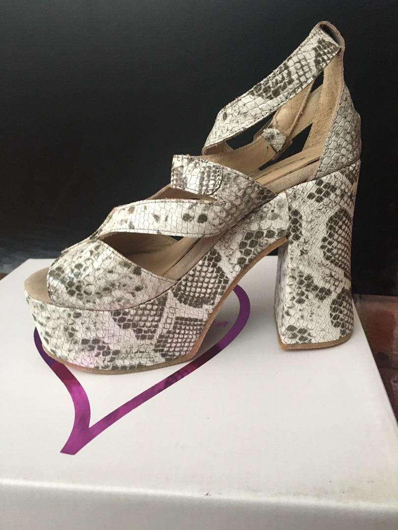 Zapatos de cuero 0