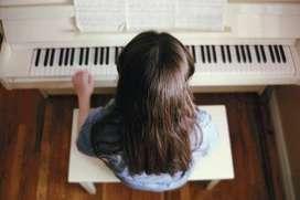 Clases de piano particulares y grupales a domicilio.