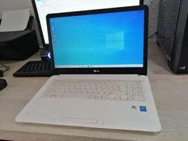 Vendo portátil LG 4 de ram 500 disco duro Windows 10 y paquete de office