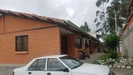 Por urgencia financiera en OFERTA hermosa casa villa en venta en urbanización en Ricaurte cerca de cuenca  machangara