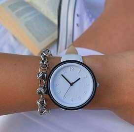 Reloj Pulsera Unisex Blanco Malla Silicona.