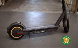 MONOPATIN ELÉCTRICO - NINEBOT MAX G30P (30Km/h) (Auton. 65Km) - SIN PISTON -