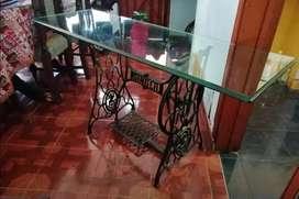 Mesa o escritorio para televisor singer antigua vidrio grueso