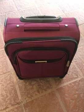 valija de viaje pequeña