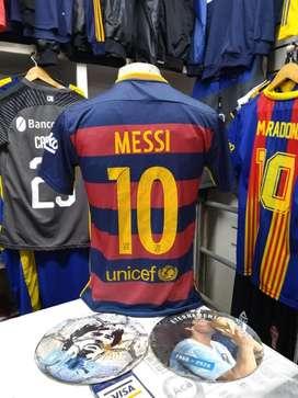 Camiseta messi 10 barcelona usada sy M liquido