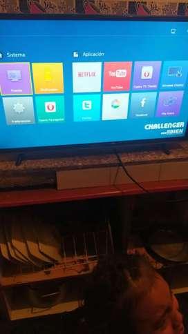 Vendo tv Smart de 32 marca challenger entrego control y tv