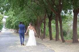 Hermoso vestido de novia, beige corte sirena, pedrería a mano.