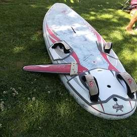 Tabla de windsurf slalom, Fanatic Falcon, con quilla