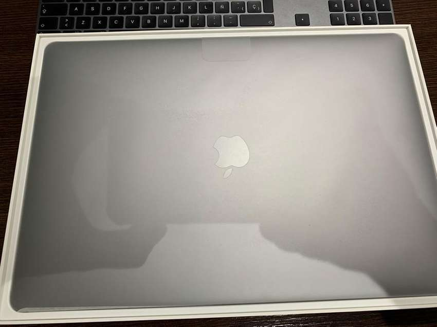 "Macbook Pro 15.4"" Core I7 16Gb 256Gb 20 Ciclos 0"