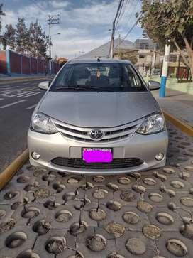 Toyota Etios 6 velocidades full motor 1500 doy con seguro vehicular por 2 años pagados y GPS por dos años