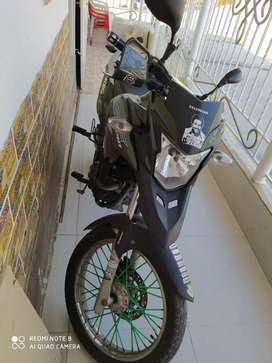 Moto Honda poco uso