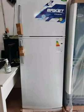 35.000 heladera briket  8 meses de uso.