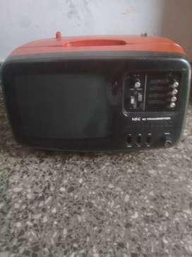 Vendo televisor portatil 220 y 12 vol con radio