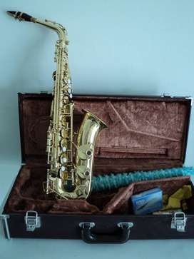 Saxofono Yamaha YAS 32  alto