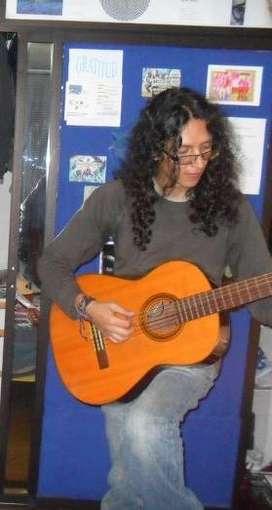 Clases de guitarra clásica, eléctrica y música electrónica