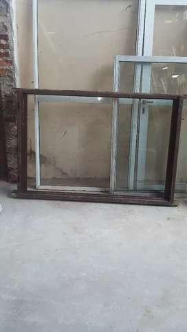 Vendo marco de ventana usado de madera dura