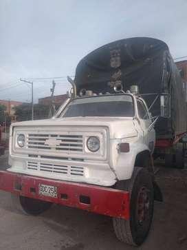 Vendo Camion estacas sencillo  Chevrolet C70