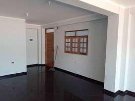 Alquiler de local ubicado en zona centrica de huaraz, disponible para oficinas o departamento.