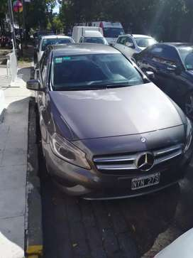 Vendo Mercedes Benz A 200 año 2015 impecable