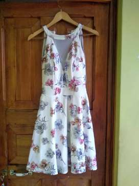 VESTIDO BLANCO FLOREADO TALLA ESTANDAR