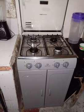 Estufa de cuatro hornillas