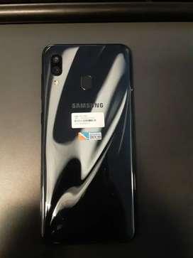 Vendo Samsung A30 Claro excelente estado