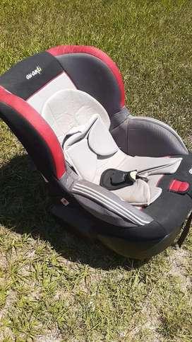 silla de bebe para el auto marca Avanti