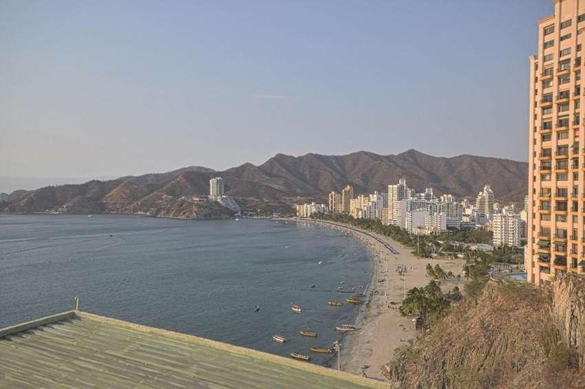 Apto primera linea de playa Rodadero Sur 0