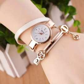 Reloj Dama tipo pulsera, Brazalete, Ilusion Of Time
