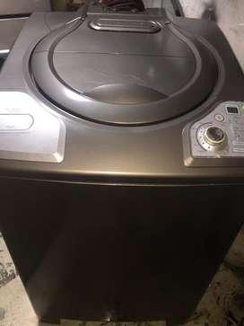 Se vende lavadora HACEB de 30 libras